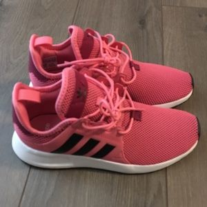Adidas sneakers fits like W8